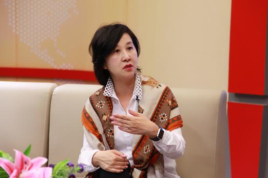 香港大学协理副校长黄依倩女士