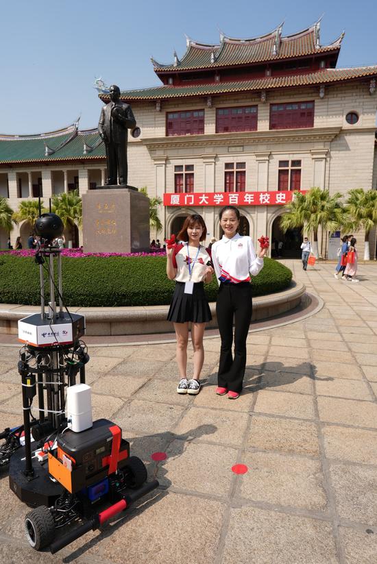 8K+VR全景机器人拍摄校庆场景