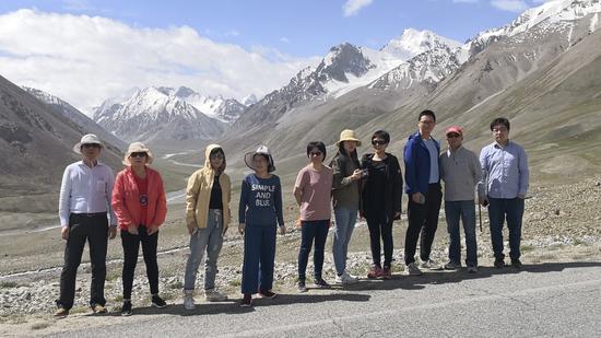 上海作家到达海拔五千米的帕米尔高原