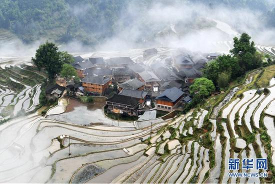 贵州省从江县加榜乡党扭村苗寨景观(4月17日摄)