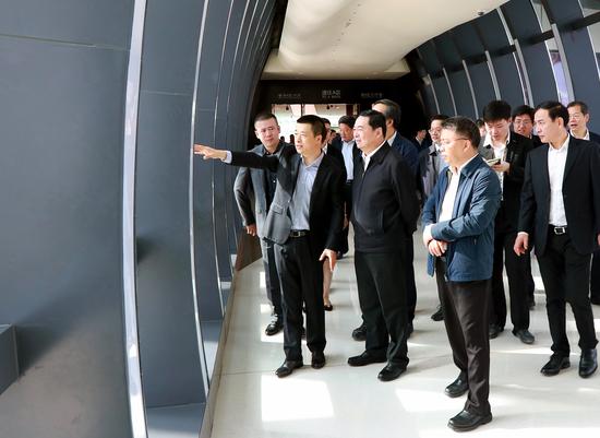 国务院国资委党委书记、主任郝鹏莅临三亚国际免税城视察工作-《国资报告》杂志
