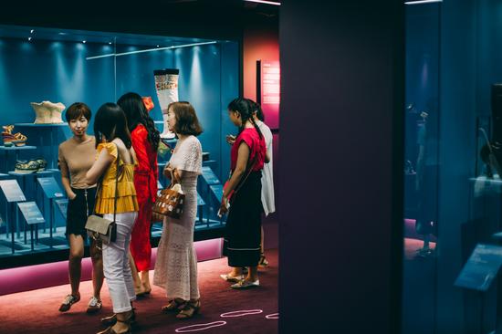 2018《鞋履:乐与苦展览》
