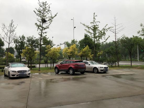 首都机场本身的停车场